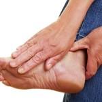 С чем связано возникновение диабетической полинейропатии?
