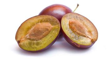 слива - полезный фрукт